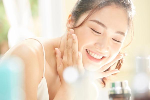 10代からのスキンケアが大事説。未来の美肌をつくる正しいスキンケア方法をご紹介!のサムネイル画像